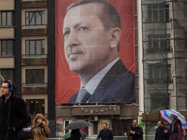 Alemanha apoia grupo responsável por tentativa de golpe na Turquia, diz porta-voz de presidente turco
