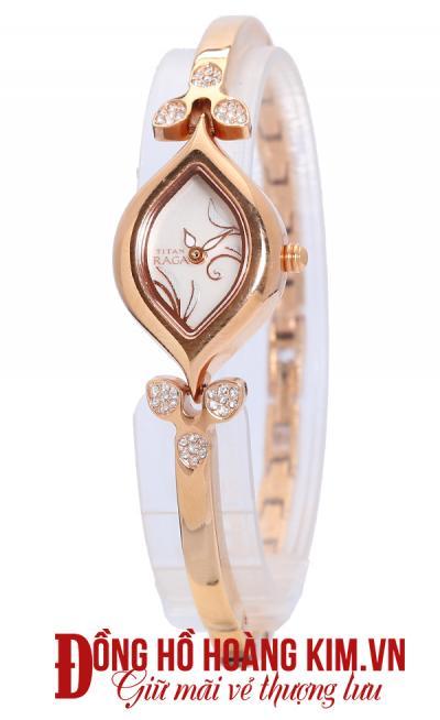 đồng hồ titan nữ