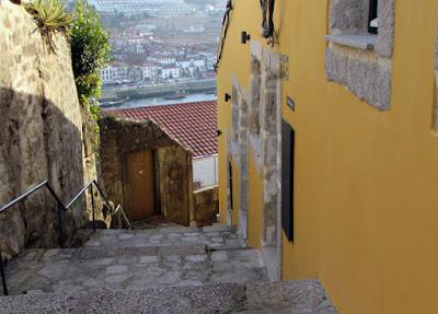 Edifícios nas Escadas das Verdades