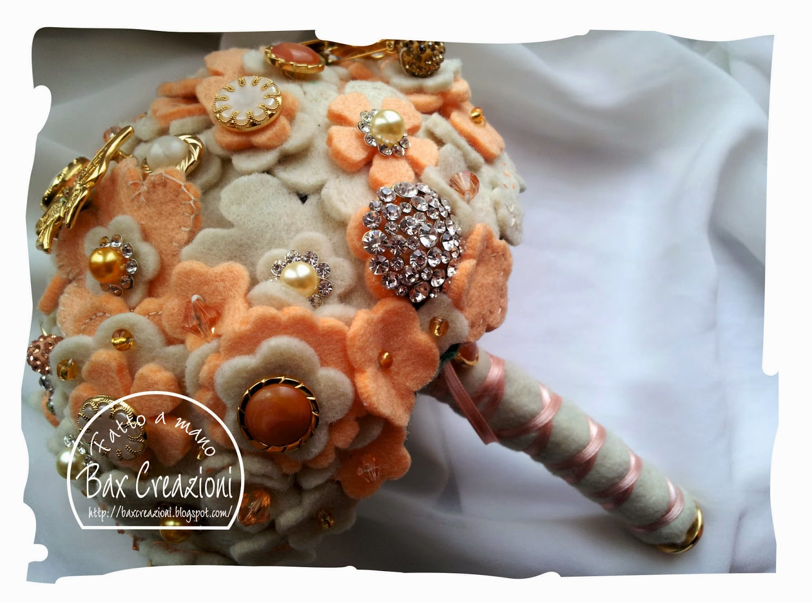 I miei bouquet & accessori con spille strass e pasta sintetica