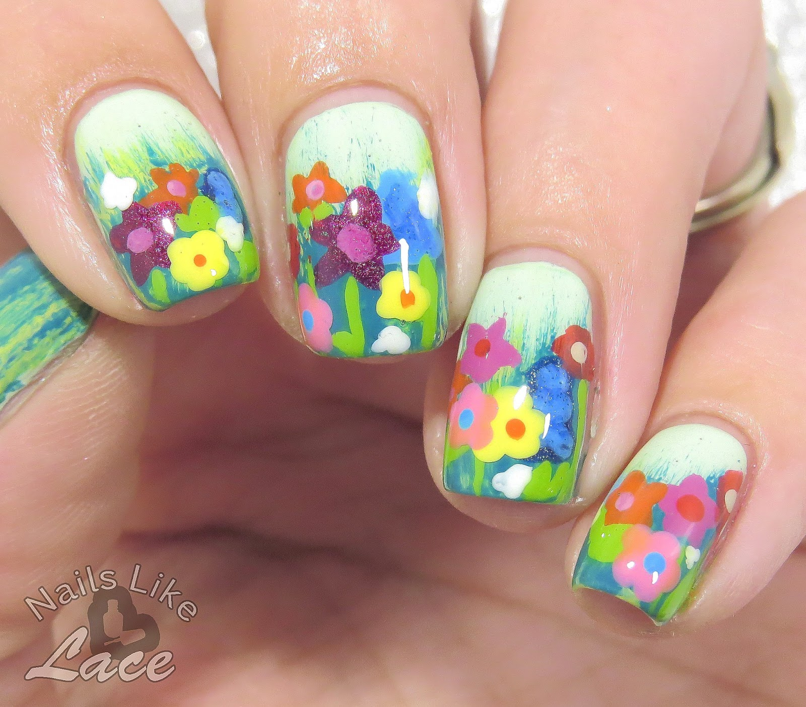 NailsLikeLace: Field of Wildflowers feat. Sally Hansen Nail Art Brushes