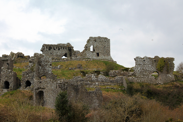 Rock of Dunamase full view of ruins