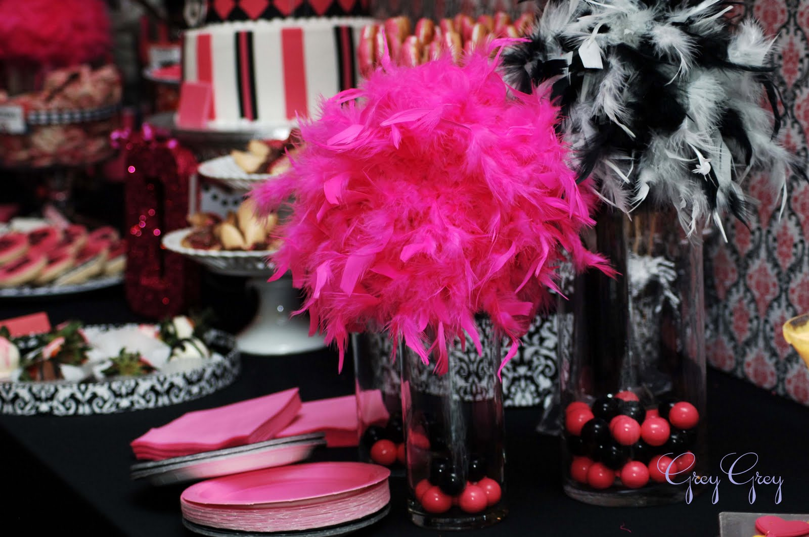 The Table Was A Vision In Hot Pink Black Damask And Glitter