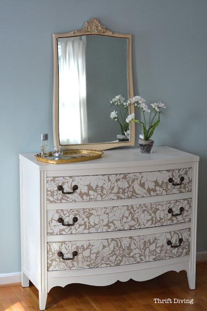 How to paint a dresser in ten easy steps - full tutorial.