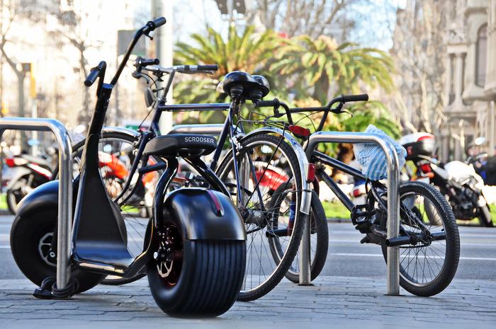 scrooser the electric bike with a harley davidson look. Black Bedroom Furniture Sets. Home Design Ideas