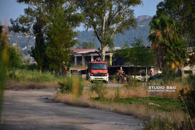 Ναύπλιο: Πυρκαγιά στον καταυλισμο των Ρομά στην Γλυκειά