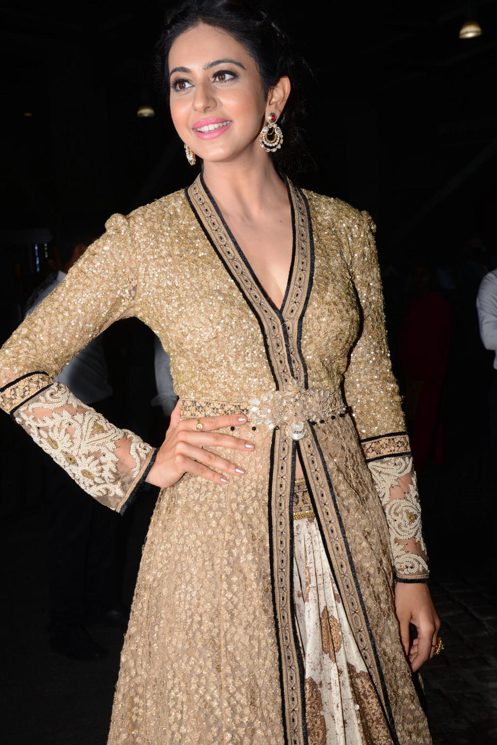 Rakul Preet Singh Photos at Filmfare Awards South 2016
