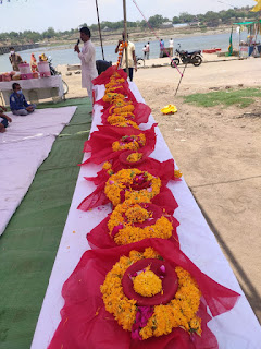 सेवा भारती ने कोरोना काल मे मृत व अज्ञात व्यक्तिओ की अस्थि विसर्जन किया