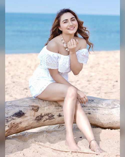 punjabi-actress-hottest-than-bollywood-actress