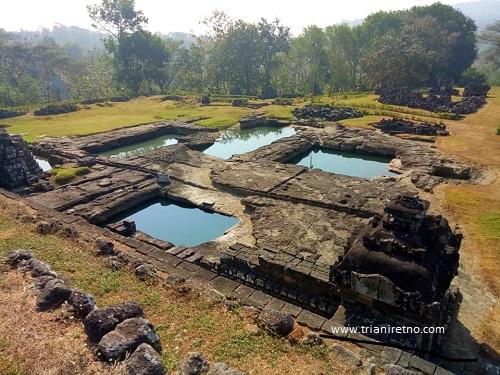 kolam keputren istana ratu boko