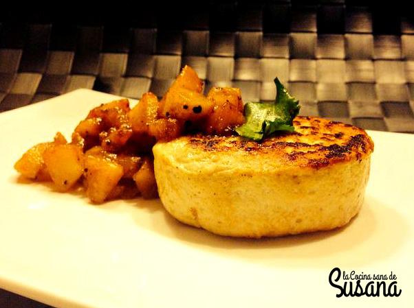 Hamburguesa sana de pollo y curry con manzana dulce