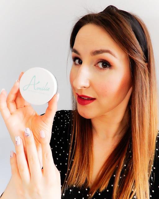 Amilie makijaż, amilie podkład jojoba, amilie jojoba pine nut, makijaż mineralny,
