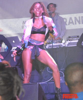 Sevyn Exposed1 - Oops! Singer Sevyn Streeter Danced So Hard During Her Performance Her Boobs Came Out! (photos)