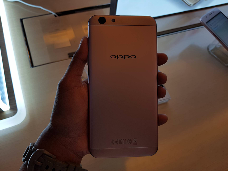 Oppo F1s at the back