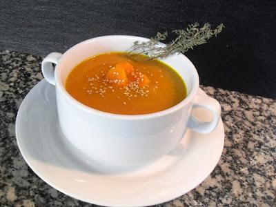 Crema de zanahoria y naranja con curry y cúrcuma.