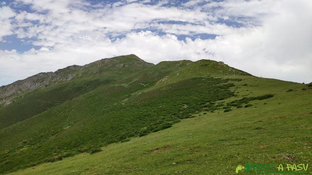 Arista final al Pico Zorru subiendo por Fana