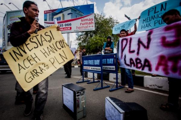 Pelayanan Listrik Ngak Becus, Mahasiswa Tuntut GM PLN Aceh Dicopot