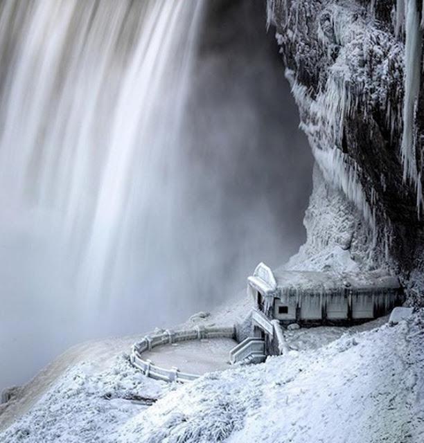 Cataratas do Niágara nos Braços do Frio