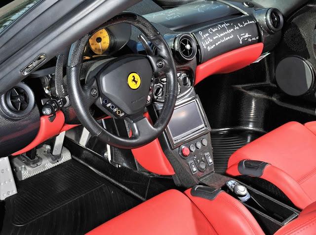 真っ二つに破損した「エンツォフェラーリ」が修理後にオークションで2億円で落札!