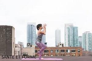 Top 10  postures yoga pour affiner ses cuisses en 1 semaine.