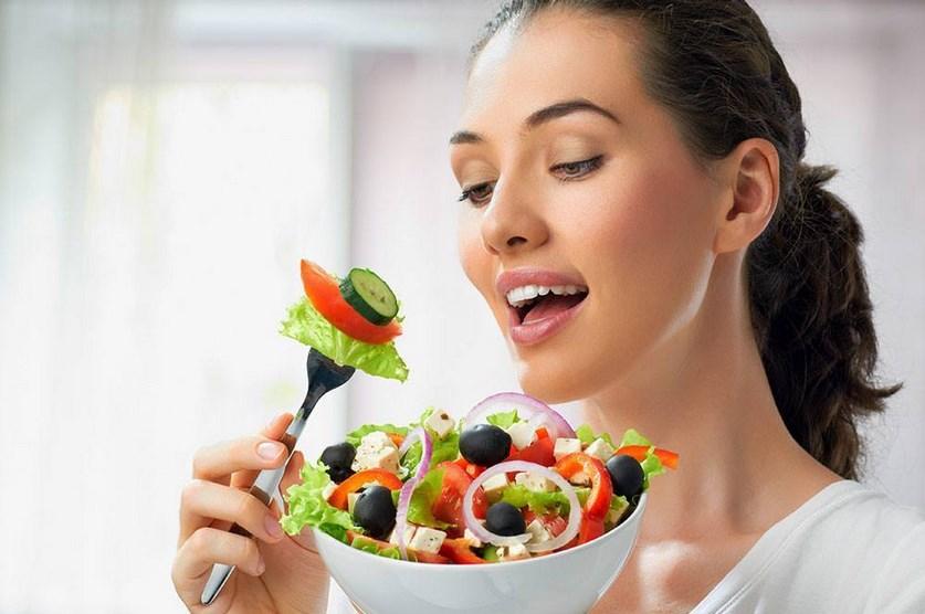 sayur hijau Tips dan Cara Mencegah Penuaan Dini Pada Wajah Secara Alami paha mulus cewek dan Artis Indo