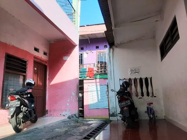 Dijual Rumah Kontrakan 34 Pintu di Sandratex Rempoa Ciputat Timur Rp 4 Mily Lokasi strategis dekat MRT dan Terminal Lebak Bulus lingkungan yang asri dan nyaman