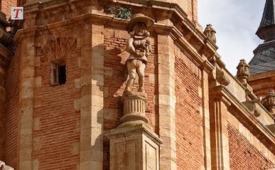 Plaza Mayor de San Carlos del Valle, Ciudad Real