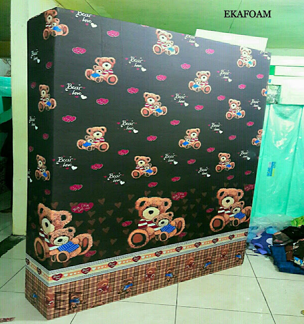 Kasur inoac motif teddy bear atau panda coklat