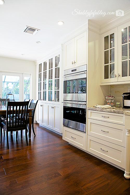white-luxury-kitchen-hack