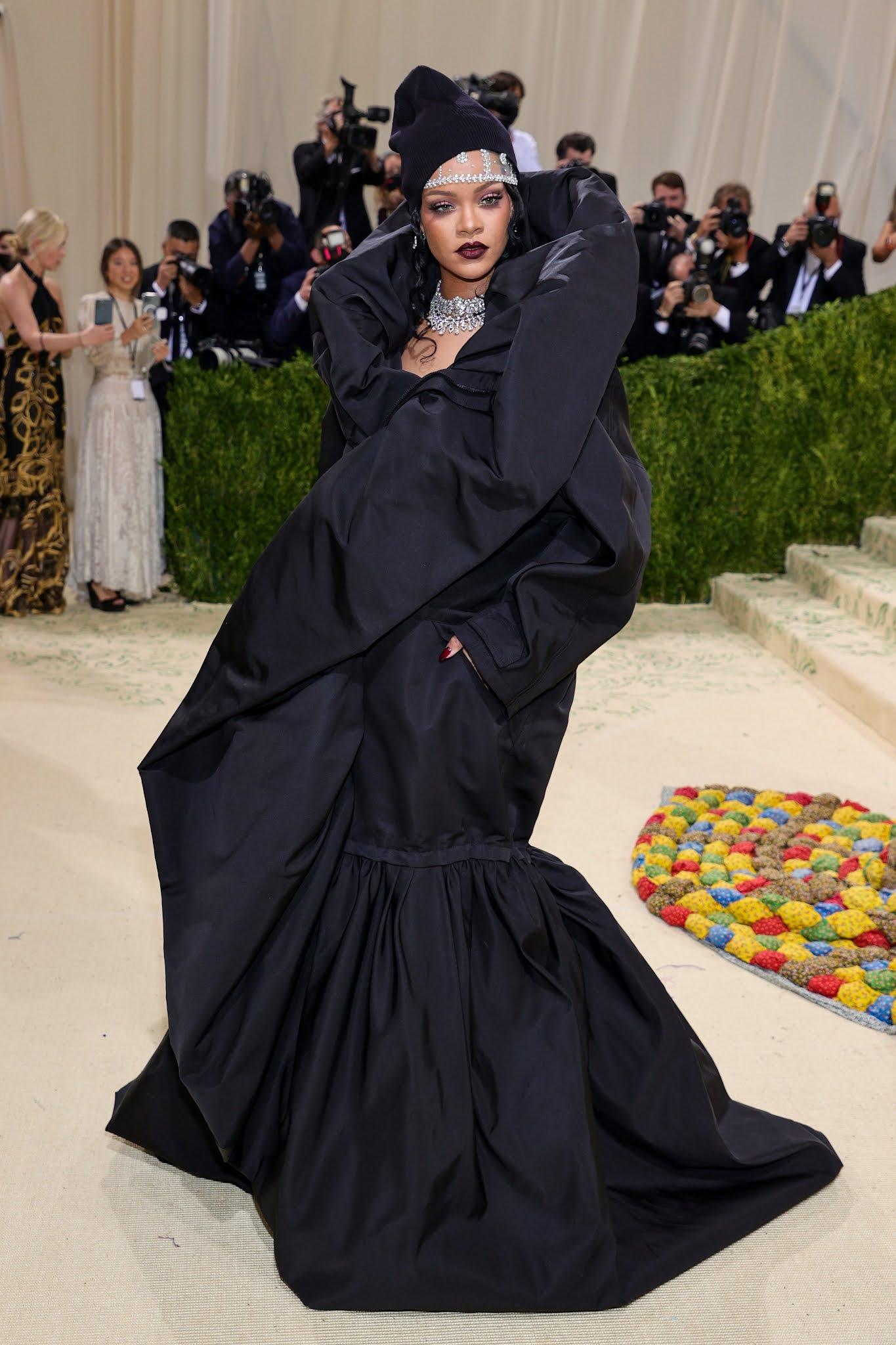 Rihanna arrives in Balenciaga to the 2021 Met Gala