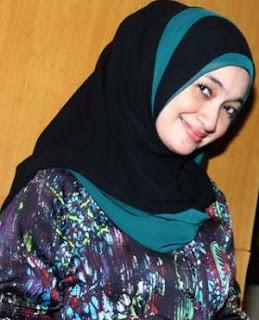 Style Fashion Artis Pakai Baju Muslim Terlihat Cantik Dan Modis