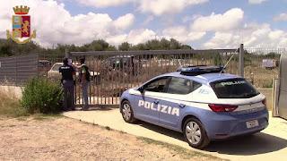 Cefalù, la polizia sequestra un terreno trasformato in discarica abusiva. Denunciato il proprietario