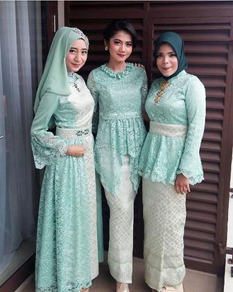 Contoh Kebaya Hijab Untuk Muslimah Bertubuh Gemuk