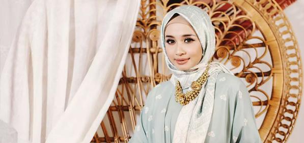 Aksesoris Kalung Hijab Kekinian Untuk Para Hijabers