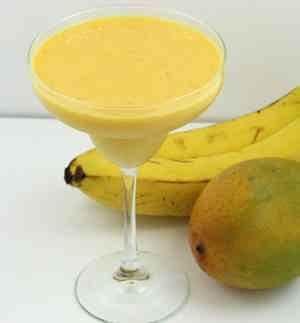 عصير الموز والمانجو