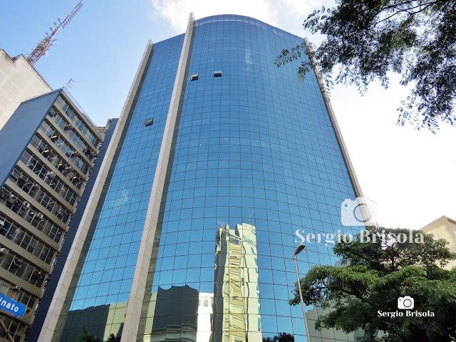 Perspectiva inferior da fachada do Edifício Antônio Huespe - Bela Vista - São Paulo
