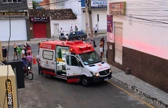 Jovem de 24 anos é morto a tiros no centro de Brumado