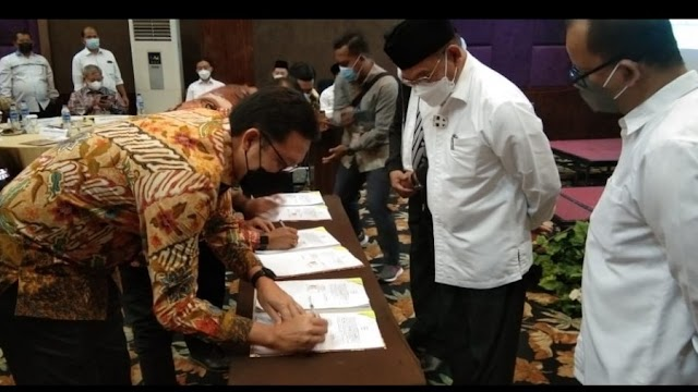 Kemenag Teken Perjanjian Kerjasama dengan 30 Bank Penerima Setoran BPIH