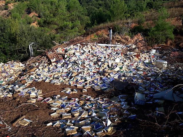 Θεσπρωτία: Απάντηση έδωσε ο αντιδήμαρχος Φιλιατών για τα βιβλία, που βρέθηκαν στα σκουπίδια