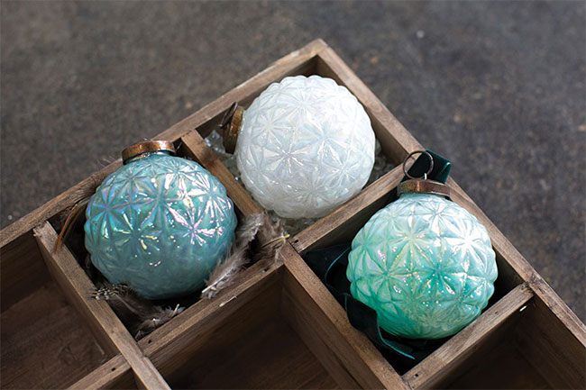 wholesale vintage inspired ornaments from accent decor