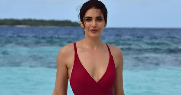 karishma tanna trolled indian tv actress in swimsuit