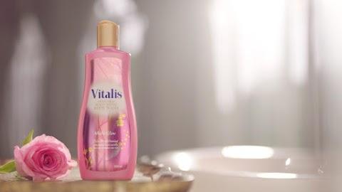 Vitalis Body Wash Memberikan Banyak Manfaat Bagi Perempuan Indonesia
