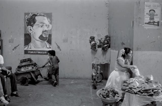 Carlos Fonseca. Mercado de Managua, Nicaragua, 1984. © Carlos Gallego Rodríguez