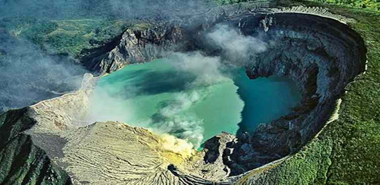 Gambar sensasi keajaiban kawah kaldera di wisata gunung bromo