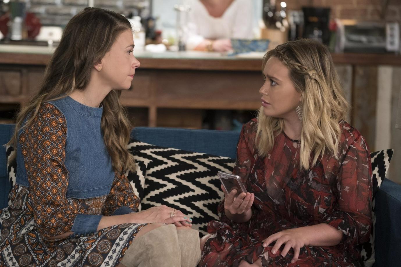 Liza confiesa a Kelsey su secreto en el final de temporada de Younger