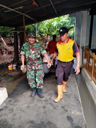 Koramil 07 Kembangan Laksanakan Karya Bhakti Pasca Banjir Bersama Tiga Pilar