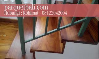 papan tangga kayu di parquetbali