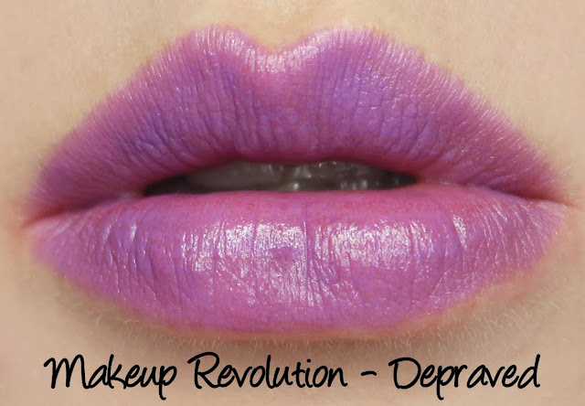 Makeup Revolution Amazing Lipstick - Depraved swatch