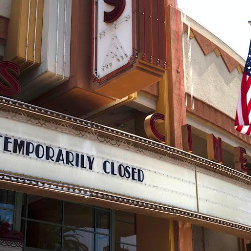 Кинотеатры подключены к системе жизнеобеспечения - как киноиндустрия приспособится?