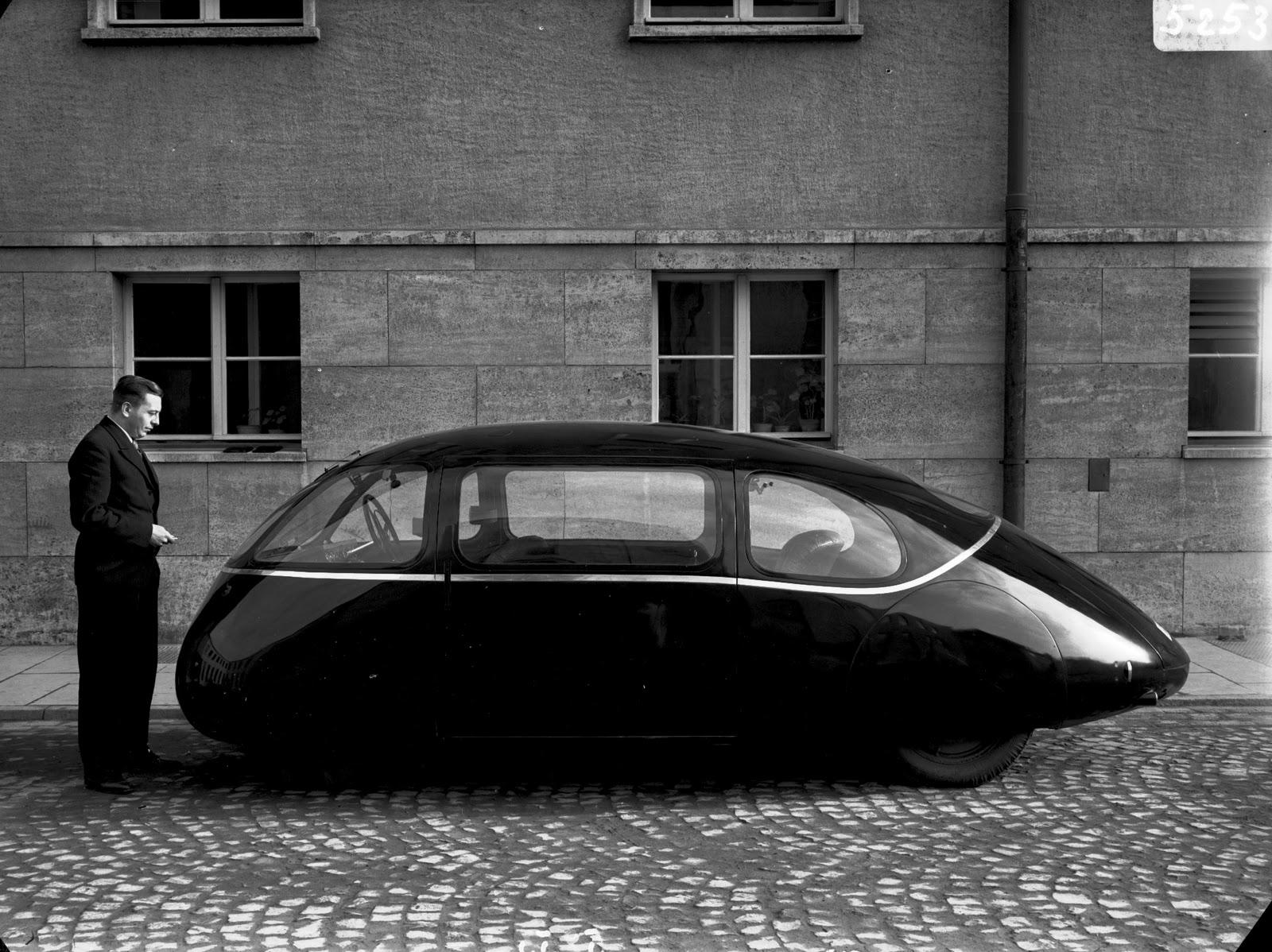 """TYWKIWDBI (""""Tai-Wiki-Widbee""""): The 1930s - with speed came ..."""